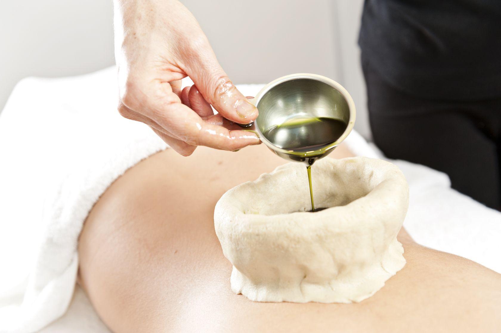 vata massage ayurveda